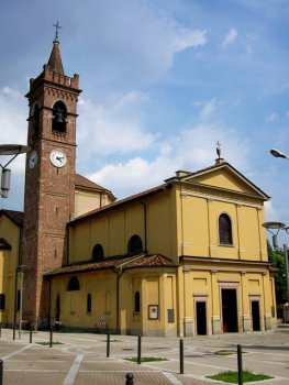 nuovo_piazzale_della_chiesa.jpg